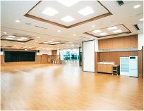 リハビリや機能訓練、イベントに使用される多目的スペースです。